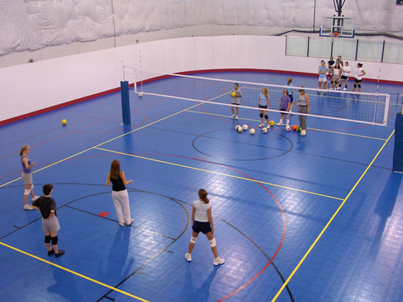 Best snap together indoor outdoor basektball court for Indoor basketball court installation